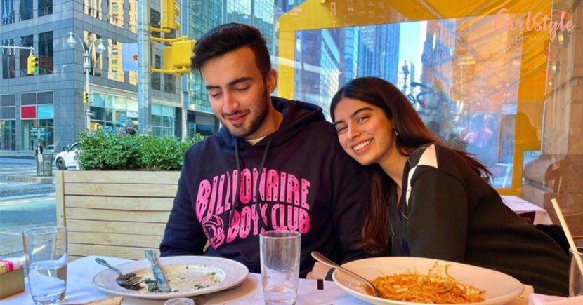 Khushi Kapoor Is Chilling With A Friend In New York & We Are All Hearts